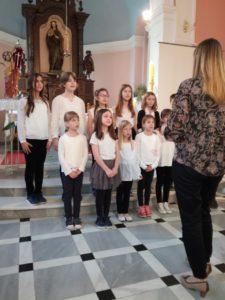 """Dječji zbor župe Presvetog Trojstva, Čepin """"Raspjevani anđeli"""""""