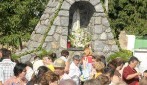 slavonija....ilaca....15.08.2008. svetiste vodice gospe ilacke; proslava velike gospe; foto gordan panic ------ 2 color slbar